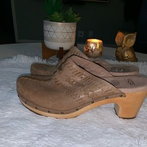 UGG size 10 brown tan leather wool mules clogs GUC